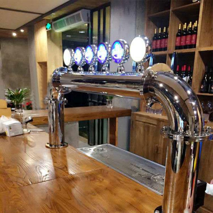 精酿啤酒设备让餐厅店面空间充分利用
